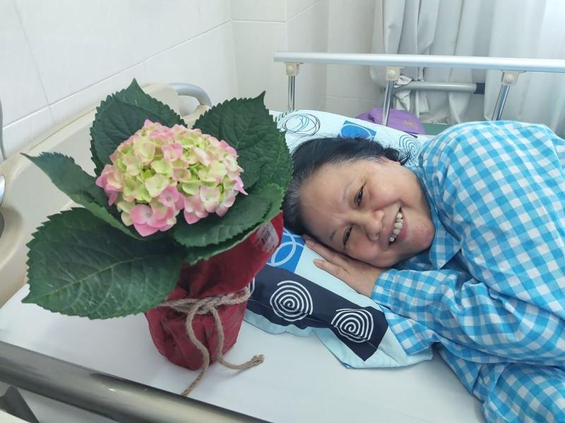 Nghệ sĩ Ái Như phải nằm viện lâu ngày sau khi bị ngã - ảnh 1