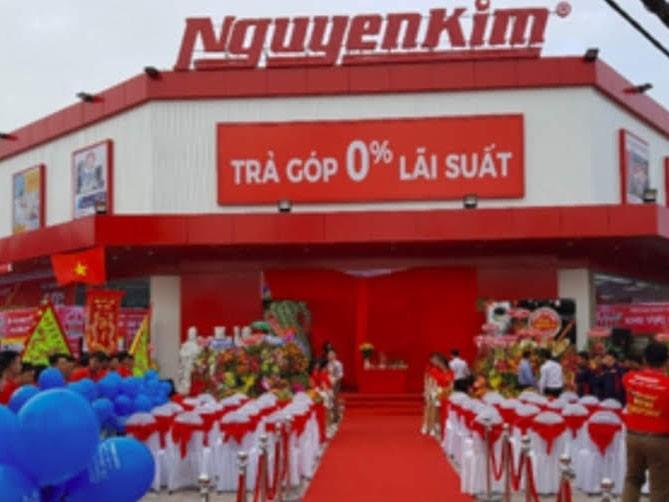 Bắt tạm giam nguyên phó giám đốc Nguyễn Kim ở Hậu Giang - ảnh 1