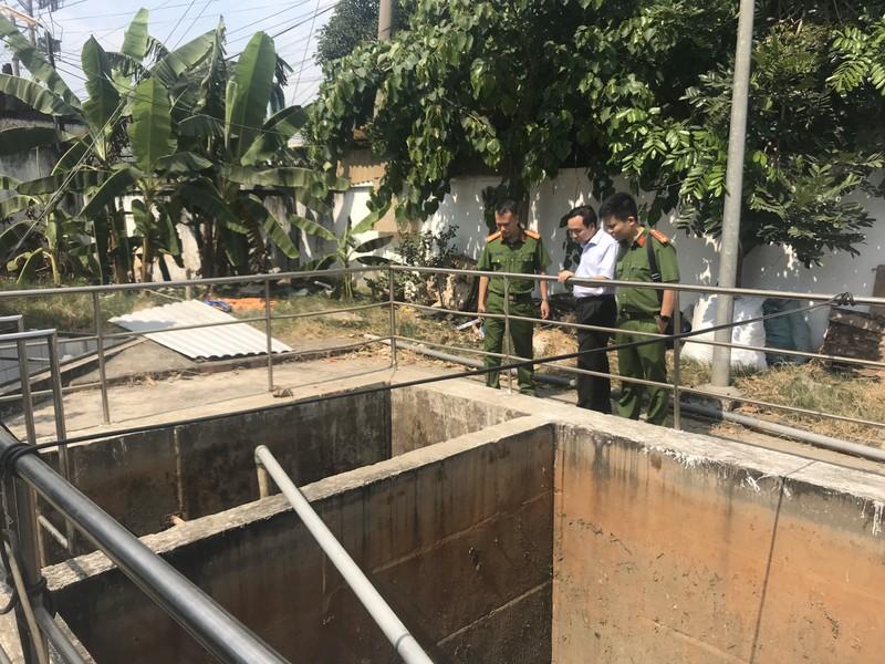 Bắt quả tang công ty xử lý nước thải xả trộm ra môi trường - ảnh 1