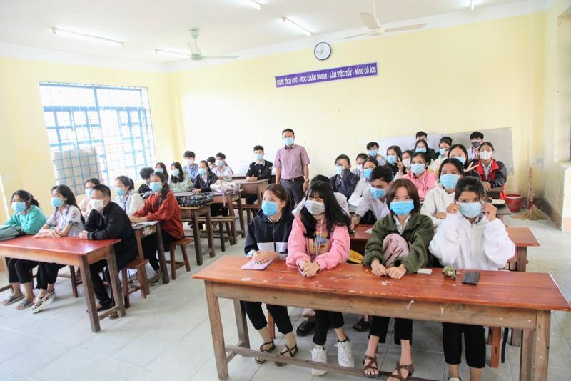 Ngày đầu Ninh Thuận cho học sinh đi học sau kỳ nghỉ do dịch  - ảnh 2