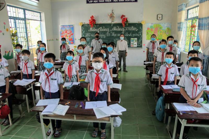 Ngày đầu Ninh Thuận cho học sinh đi học sau kỳ nghỉ do dịch  - ảnh 3