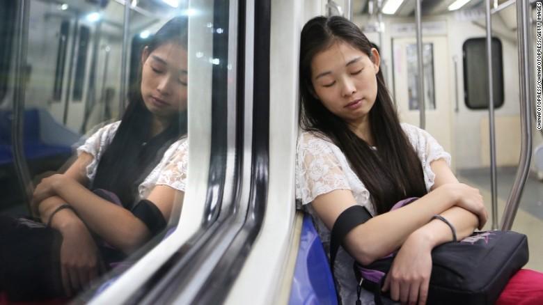 Hơn 30% người Mỹ thiếu ngủ - ảnh 6