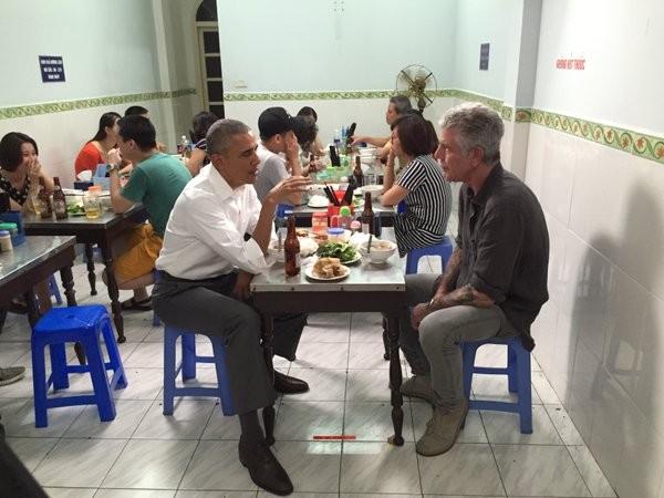 Người ăn bún chả với Tổng thống Obama là ai? - ảnh 2