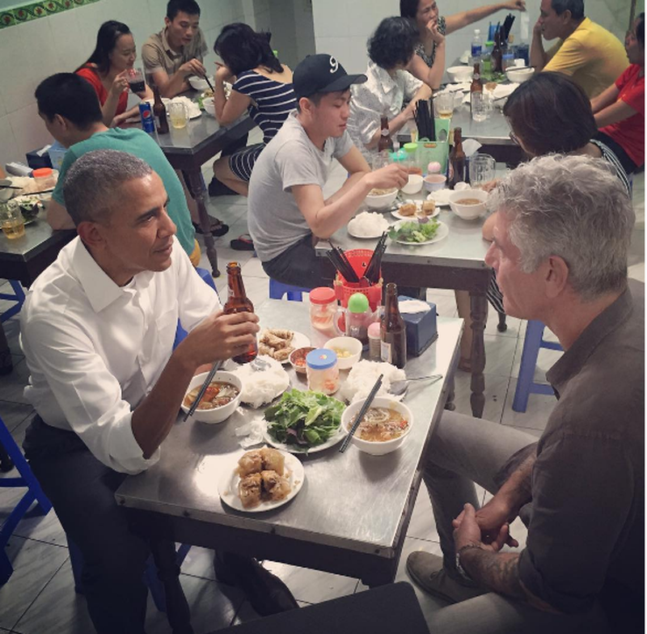 Người ăn bún chả với Tổng thống Obama là ai? - ảnh 1