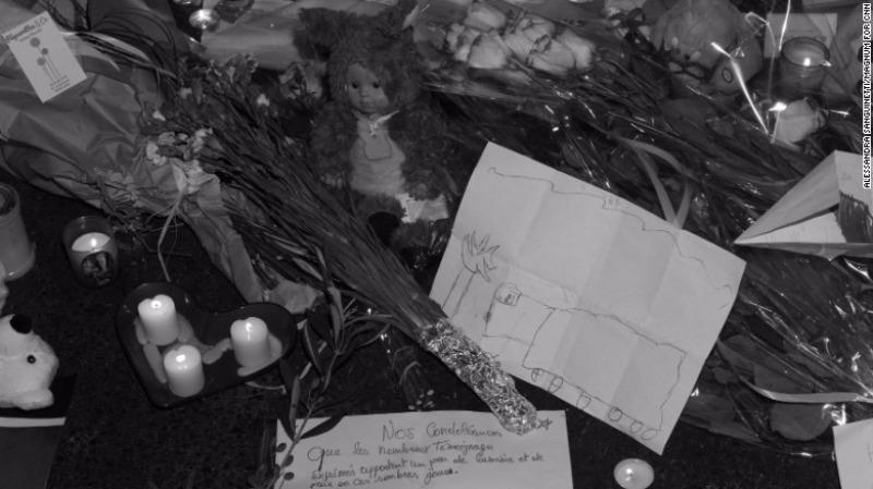 Tưởng niệm nạn nhân khủng bố Nice.