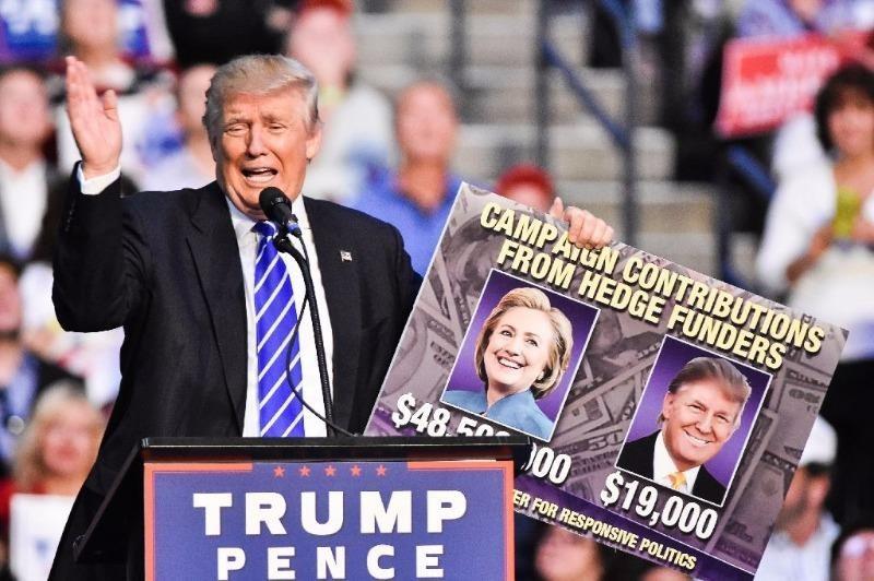 Ông Trump trong một phiên tranh cử tại TP Ft. Lauderdale (bang Florida) ngày 10-8.