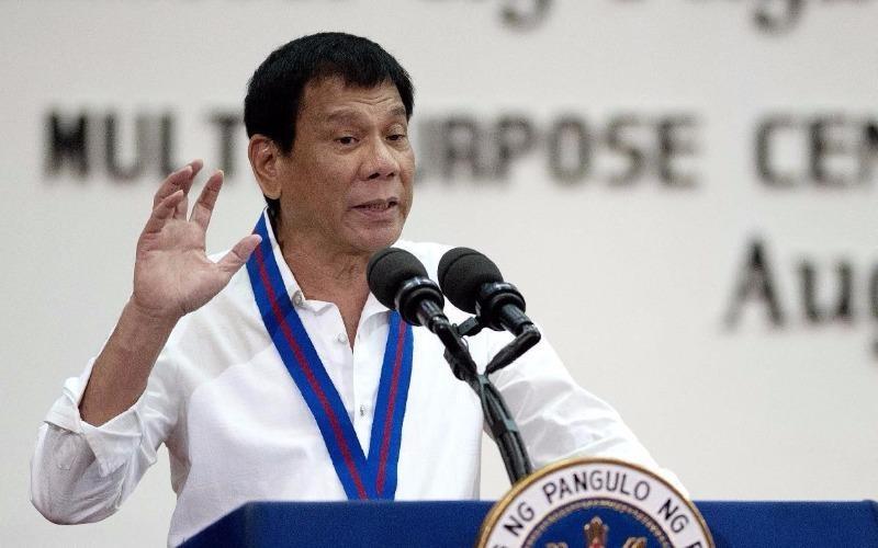 Tổng thống Duterte kịch liệt đả kích LHQ khi phát biểu tại trụ sở cảnh sát quốc gia Philippines ngày 17-8.