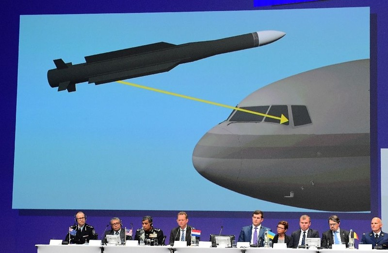 Các nhà điều tra quốc tế trình bày kết luận điều tra ban đầu vụ chiếc MH17 bị bắn rơi.