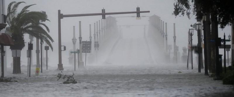 Ngập lụt tại Florida ngày 7-10 vì bão Matthew.