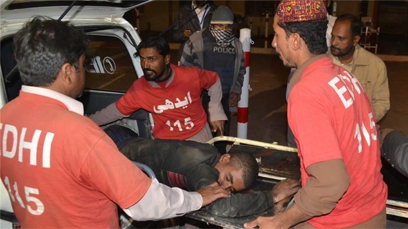 Cấp cứu cảnh sát thực tập bị thương trong vụ tấn công.