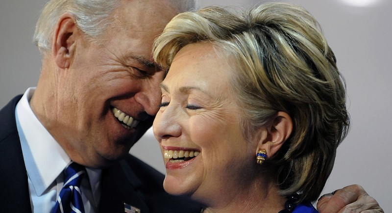 Ông Biden và bà Clinton có quan hệ khá tốt nhưng cũng khá bất đồng về quan điểm đối ngoại.