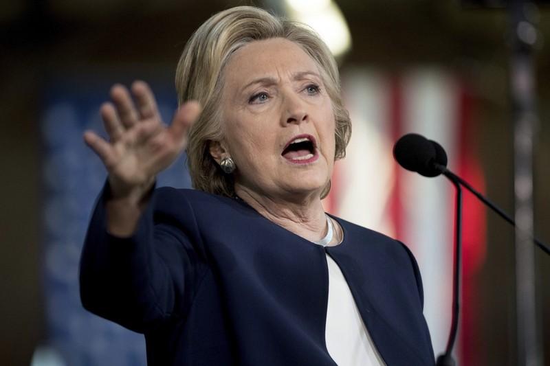 Bà Clinton có quá nhiều lời hứa phải giữ nếu thắng cử tổng thống
