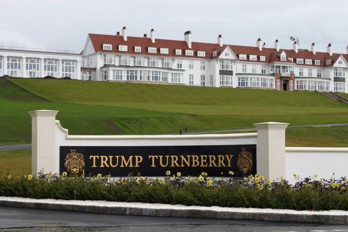 Khách sạn trong khu đánh Golf Turnberry (Scotland) của gia đình ông Trump.
