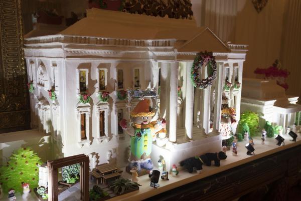 Nhà Obama chuẩn bị đón mùa Giáng sinh cuối ở Nhà Trắng - ảnh 14