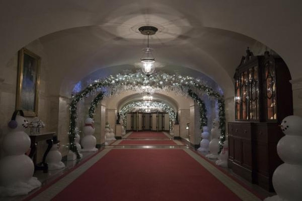 Nhà Obama chuẩn bị đón mùa Giáng sinh cuối ở Nhà Trắng - ảnh 15