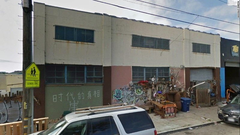 Tòa nhà Oakland Ghost Ship ở Oakland (California) trước khi bị cháy. Ảnh: AP