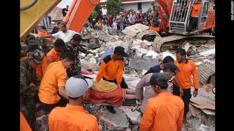 Tân Cương: Động đất 6,2 độ Richter, tâm chấn nông 6 km - ảnh 2