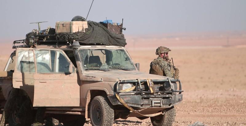 Lính Mỹ ở phía bắc TP Raqqa (Syria) tháng 11-2016. Ảnh: REUTERS