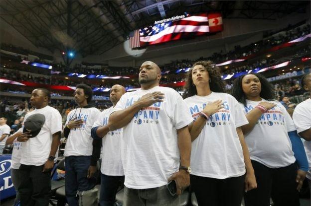 Quốc ca cũng rất được tôn trọng ở Mỹ cũng như nhiều nước khác. Ảnh: AP