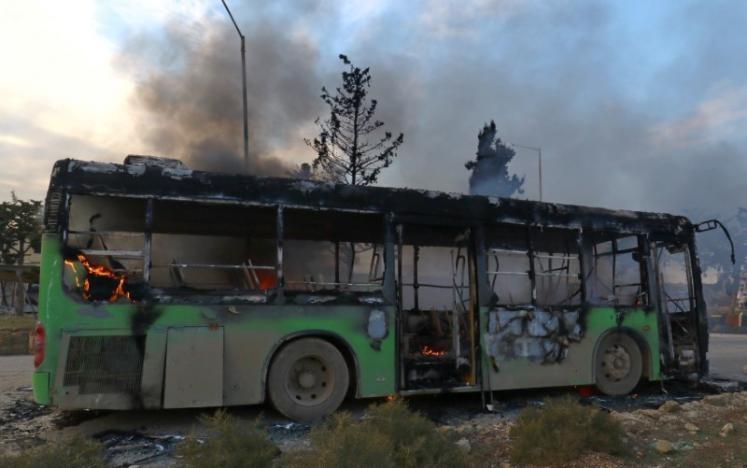 Chính phủ cáo buộc phe nổi dậy là thủ phạm. Ảnh: REUTERS