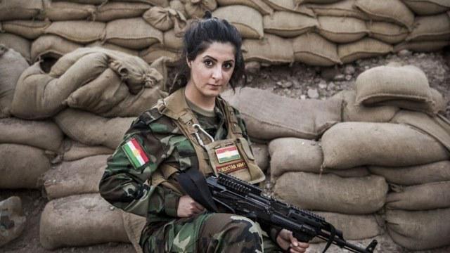 Joanna Palani chiến đấu chống IS bên lực lượng người Kurd ở Iraq. Ảnh: REUTERS