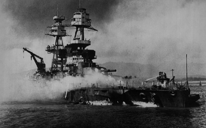 USS Nevada bị hư hại tại Trân Châu Cảng. Ảnh: DENVER POST