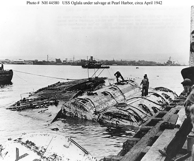 Tàu USS Oglala bị chìm trong trận Trân Châu Cảng. Ảnh: WIKIPEDIA