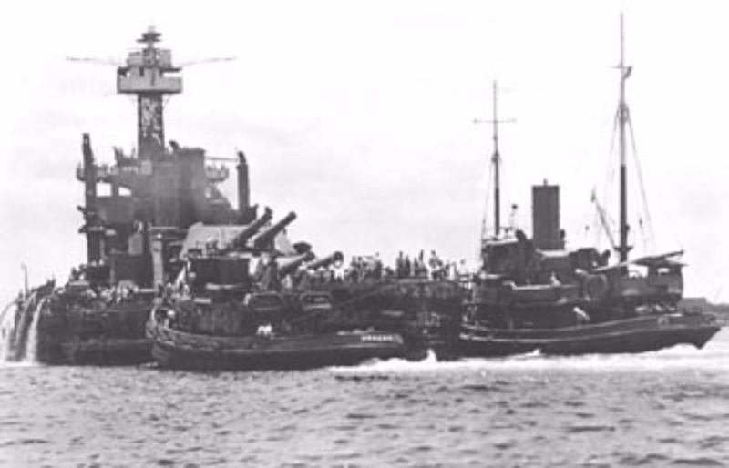Tàu USS West Virginia bị tấn công trong trận Trân Châu Cảng. Ảnh: IBIBLO
