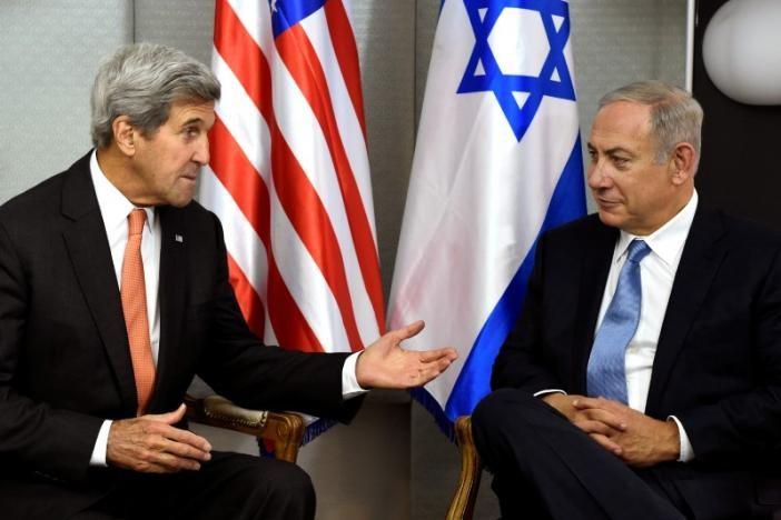 Ngoại trưởng Mỹ John Kerry và Thủ tướng Israel Benjamin Netanyahu gặp nhau tại New York (Mỹ) ngày 23-9. Ảnh: REUTERD