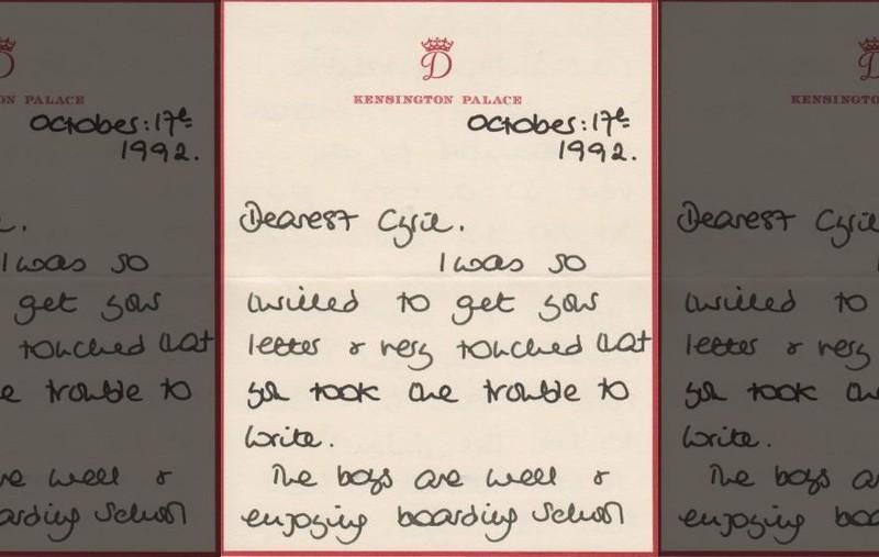 Một bức thư Công nương Diana gửi cho quản gia Cung điện Buckingham Steward Cyril Dickman ngày 17-10-1992. Ảnh: FOX NEWS