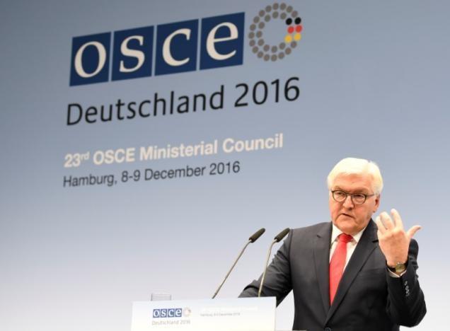 Ngoại trưởng Frank-Walter Steinmeier trong một cuộc họp báo ngày 9-12-2016. Ảnh: REUTERS