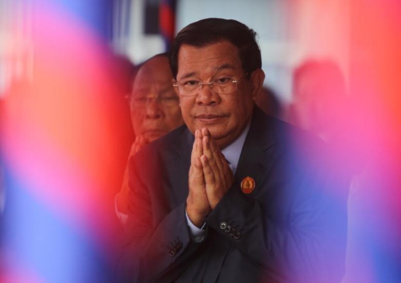 Thủ tướng Hun Sen vừa đệ đơn kiện lãnh đạo đối lập Sam Rainsy tội vu khống. Ảnh: REUTERS