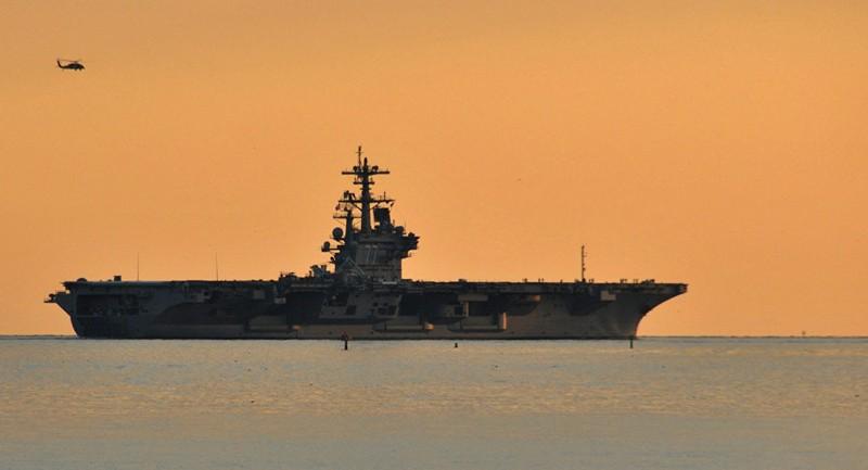Tàu sân bay USS George H.W.Bush của Mỹ. Ảnh: U.S. NAV