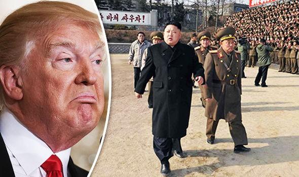 Tổng thống Mỹ Trump (trái) vừa chỉ đạo xem xét lại toàn diện chính sách với Triều Tiên. Ảnh: GETTY IMAGES