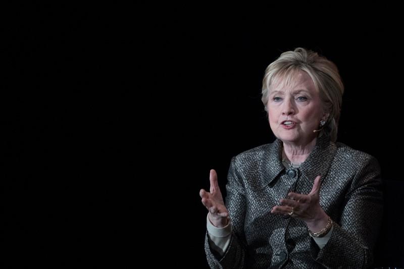 Bà Hillary Clinton tham dự hội nghị thượng đỉnh Phụ nữ trên thế giới ở New York (Mỹ) ngày 6-4. Ảnh: AP