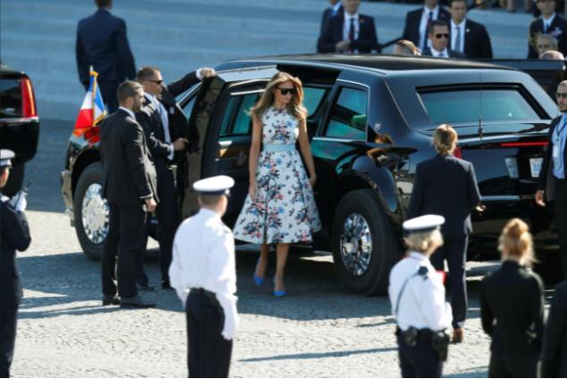 Vợ chồng Tổng thống Trump đến tham dự lễ diễu binh. Ảnh: REUTERS