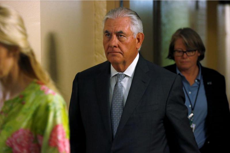 Ngoại trưởng Mỹ Rex Tillerson sau buổi điều trần kín trước Thượng viện ngày 6-9. Ảnh: REUTERS