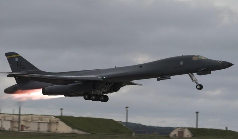 Máy bay ném bom B-1 Lancer của Mỹ được triển khai đến Hàn Quốc. Triều Tiên xem đây là một sự đe dọa. Ảnh: SCMP