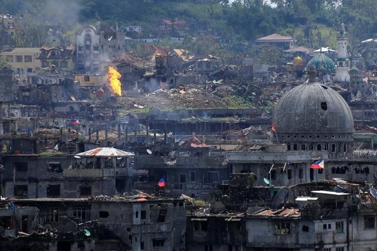 TP Marawi tan hoang sau 154 ngày giao tranh, ngày 23-10. Ảnh: REUTERS