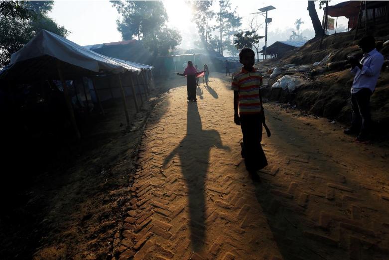 Người Rohingya tại một trại tị nạn ở Bangladesh ngày 23-10. Ảnh: REUTERS