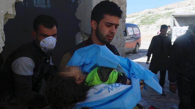 Trẻ em thiệt mạng trong vụ tấn công bằng vũ khí hóa học ở thị trấn Khan Sheikhoun, tỉnh Idlib (Syria) ngày 4-4. Ảnh: REUTERS