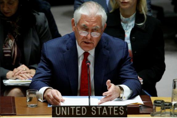 Ngoại trưởng Mỹ Rex Tillerson tại cuộc họp của Hội đồng Bảo an LHQ về chương trình hạt nhân, tên lửa Triều Tiên tại New York (Mỹ), ngày 15-12. Ảnh: REUTERS