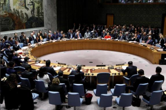 Các thành viên Hội đồng Bảo an LHQ tại cuộc họp về chương trình hạt nhân, tên lửa Triều Tiên tại New York (Mỹ), ngày 15-12. Ảnh: REUTERS