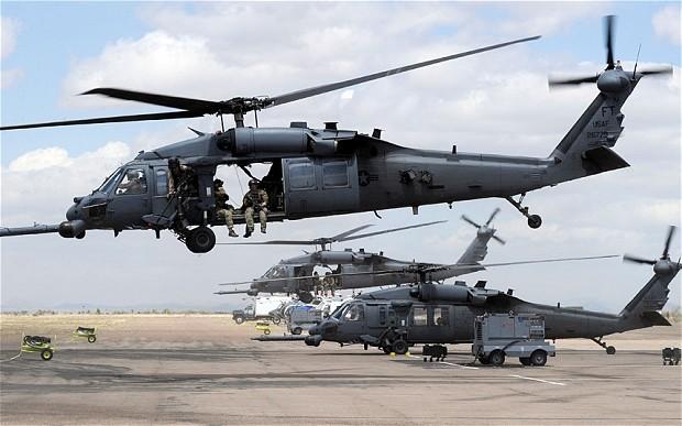 Trực thăng quân sự HH-60 Pave Hawk của Mỹ. Ảnh TELEGRAPH