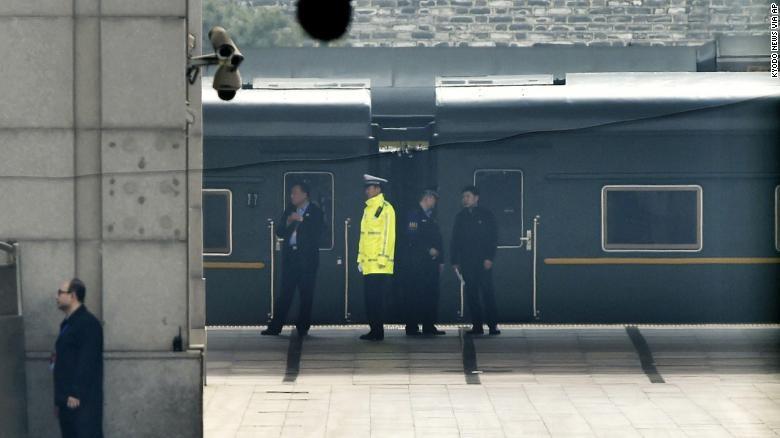 Đoàn xe lửa chở ông Kim đến Trung Quốc ngày 25-3. Ảnh: CNN