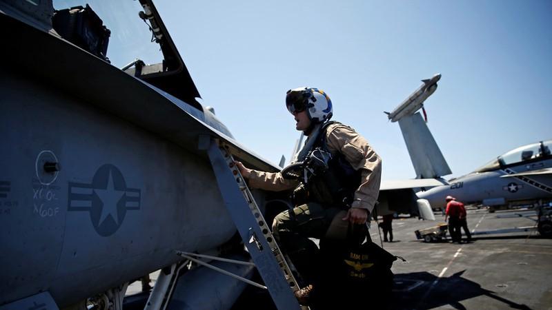 Máy bay trên tàu sân bay USS Harry S. Truman lớp Nimitz của Mỹ đã được triển khai đến đông Địa Trung Hải. Ảnh: REUTERS
