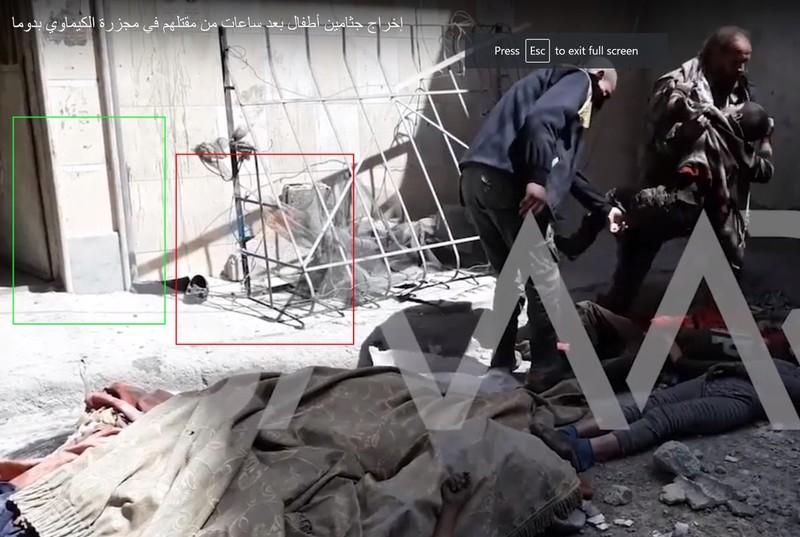 Ông Higgins dựa vào các dấu hiệu giống nhau trong tòa nhà để xác minh các video, hình ảnh về vụ tấn công mà các tổ chức dân sự và Bộ Ngoại giao Nga thực hiện ở cùng địa điểm. Ảnh: TWITTER