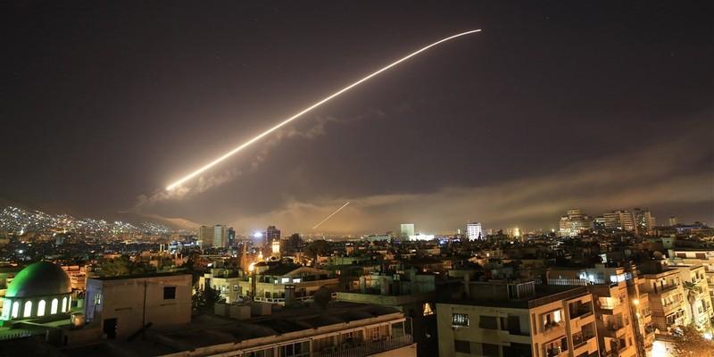 Bộ Quốc phòng Mỹ: Đã chấm dứt đợt nã tên lửa vào Syria - ảnh 1
