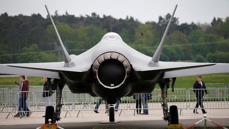 Máy bay tiêm kích tấn công tàng hình F-35 Lightning II của hãng Lockheed Martin (Mỹ). Ảnh: REUTERS