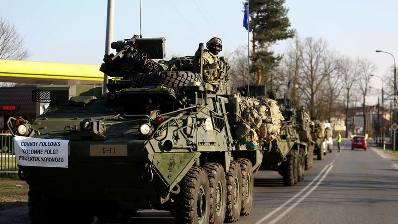Lính Mỹ trên đường di chuyển về một căn cứ quân sự ở Wesola gần thủ đô Warsaw (Ba Lan) ngày 28-3-2017. Ảnh: REUTERS